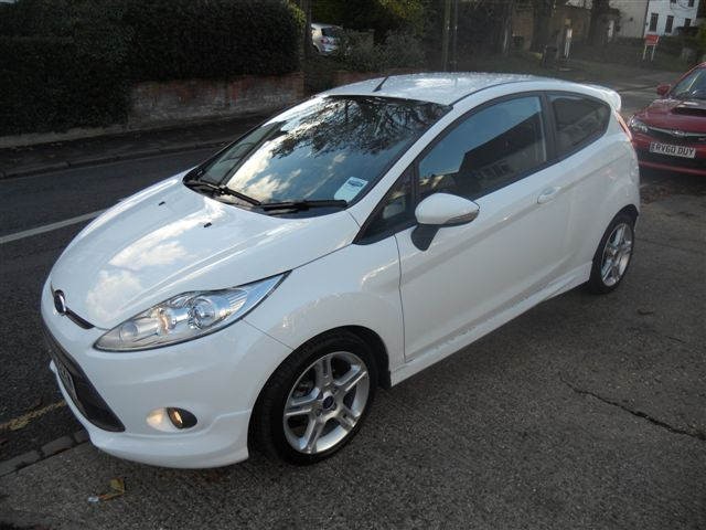 Frozen White Fiesta Zetec S Tdci Leather Pack Perkins